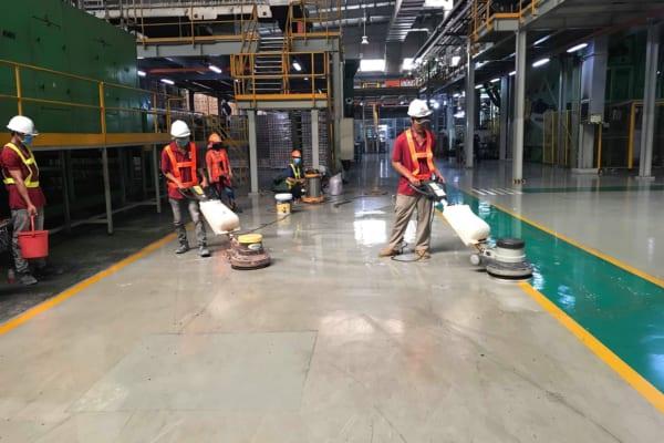 Vệ sinh nhà xưởng sạch sẽ năng suất làm việc sẽ tăng cao
