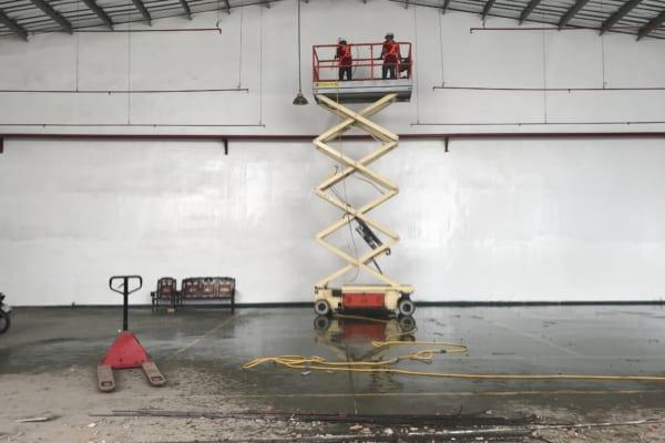 Dịch vụ vệ sinh công nghiệp nhà xưởng chuyên nghiệp