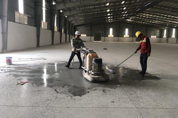 Cải thiện độ cứng nền bê tông mang lại tuổi thọ cao cho sàn, ít bị mài mòn