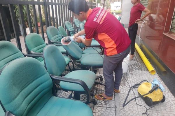 Nhu cầu giặt ghế ngày càng gia tăng