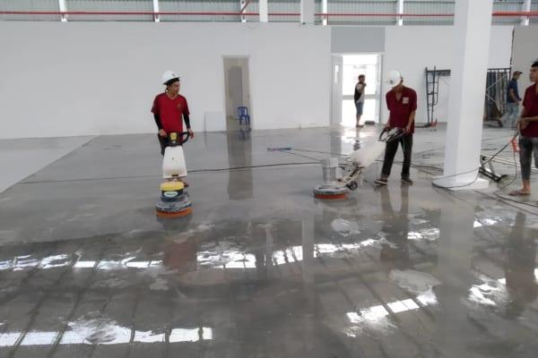 Dịch vụ vệ sinh sàn nhà xưởng sau xây dựng tại Bình Dương